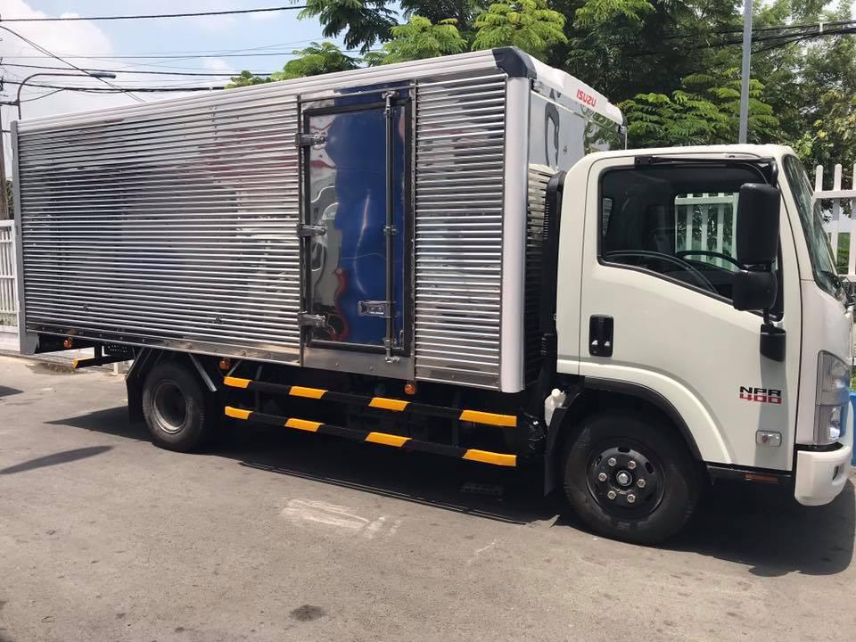 Xe tải chở hàng mùa dịch, xe tải isuzu ninh thuận
